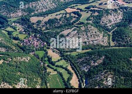 France, Lot, Parc Naturel Regional des Causses du Quercy, Saint Martin de Vers, the Vers river valley ((aerial view) - Stock Photo