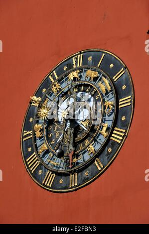 France, Bas Rhin, Haguenau, the Alsatian museum, old Chancellery with an astronomical clock on the frontage - Stock Photo