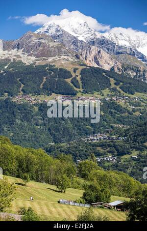 France Savoie Peisey Nancroix paradiski Massif de la Vanoise the Mont Pourri (3779m) and the Dome de La Sache (3601m) - Stock Photo
