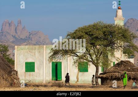 Chad, Sahel, Mataya, mosque at the foot of the granite spires of Abtouyour - Stock Photo