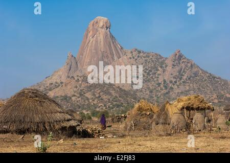 Chad, Sahel, Mataya, village at the foot of the granite spires of Abtouyour - Stock Photo