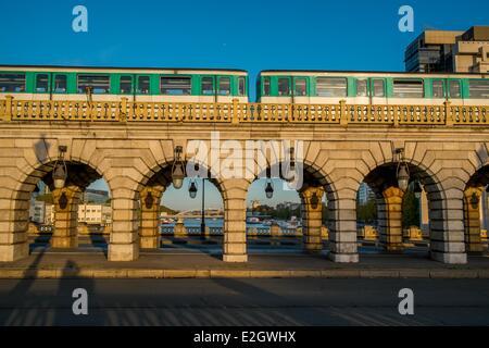 France Paris metro pont de Bercy - Stock Photo