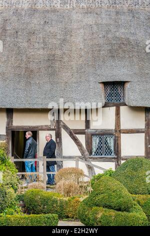 United Kingdom Warwickshire Stratford-upon-Avon birthplace of 15th century Tudor style of Anne Hathaway (wife of - Stock Photo