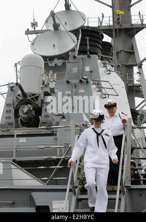 Vancouver, Canada. 19th June, 2014. Female Canadian navy tour around the USS Decatur in Vancouver, Canada, June - Stock Photo