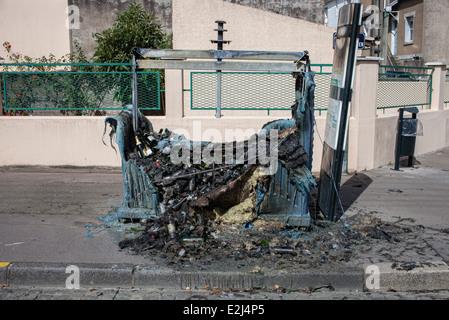 Dumpster destroyed by fire, Nantes, Loire-Atlantique, France - Stock Photo