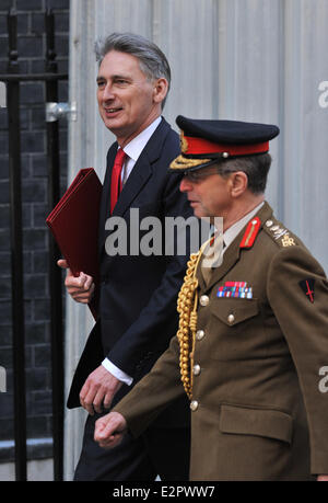 Ministers arrive at 10 Downing Street for a meeting attended by US Vice President Joe Biden.  Featuring: Defence - Stock Photo