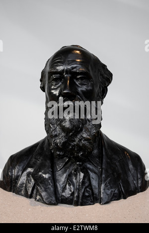 Bust of William Thomson, 1st Baron Kelvin. National Museum of Scotland, Edinburgh, Scotland - Stock Photo