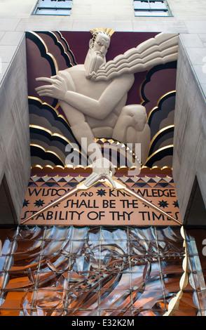 Low relief art deco panel of 'Wisdom' at 30 Rockefeller Plaza - Stock Photo