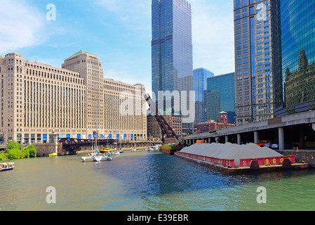 Chicago River, view of Merchandise Mart Building and Franklin Street Bridge, North Side of Chicago, Illinois - Stock Photo
