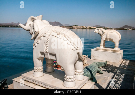 India, Rajasthan, Udaipur cityscape from Jag Mandir palace in lake Pichola - Stock Photo