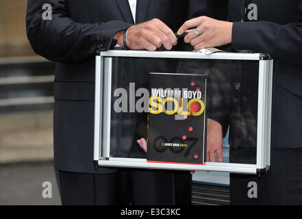 William Boyd launches his new James Bond novel, 'Solo' at The Dorchester  Where: London, United Kingdom When: 25 - Stock Photo