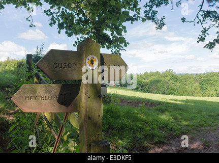 Offa's Dyke path on the border between Wales and England - junction of paths to Hay Bluff, Cusor and Hay-on-Wye - Stock Photo