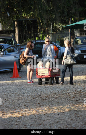 Rebecca Gayheart takes her daughters Billie Beatrice Dane and Georgia Dane to Mr. Bones Pumpkin Patch in West Hollywood - Stock Photo