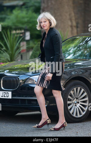 London, UK. 24th June, 2014. Home Secretary Theresa May arrives at 10 Downing Street for a Cabinet meeting on Tuesday, - Stock Photo