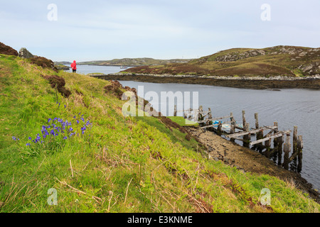 Coastal scene with old wooden jetty at Loch Sgioport, South Uist, Outer Hebrides, Western Isles, Scotland, UK, Britain - Stock Photo