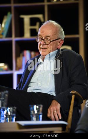 Henry Marsh neurosurgeon talking to Ian McEwan at Hay Festival 2014. - Stock Photo