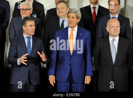 Brussels, Brussels. 25th June, 2014. NATO Secretary and General Anders Fogh Rasmussen (L), US Secretary of State - Stock Photo