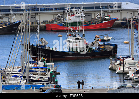 Getaria, Gipuzkoa, Basque Country. Busy commercial fishing port. Spain has the largest commercial fishing fleet - Stock Photo