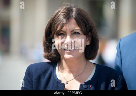 Berlin, Germany. 27th June, 2014. Mayor of Paris Anne Hidalgo (PS) visits Berlin, Germany, 27 June 2014. Credit: - Stock Photo