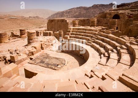 jordan-arabah-petra-grand-temple-of-wing