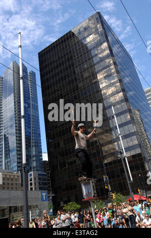 Vancouver, Canada. 28th June, 2014. McKenzie of Canada performs during the annual Vancouver International Busker - Stock Photo