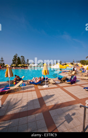 Tourists enjoying the sunbathing on a hotel roof terrace sorrento stock photo 105634463 alamy for Hotels in bray with swimming pool