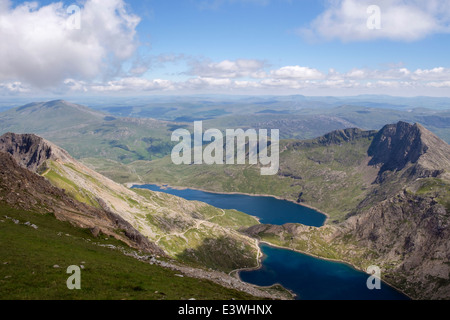 View to Glaslyn and Llyn Llydaw lakes in Snowdon Horseshoe from Crib y Ddysgl (Garnedd Ugain) in mountains of Snowdonia - Stock Photo