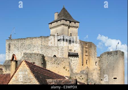 Château de Castelnaud, medieval fortress at Castelnaud-la-Chapelle, Dordogne, Aquitaine, France - Stock Photo