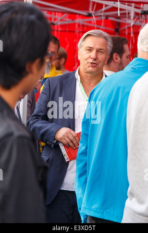Governing Mayor Klaus Wowereit at the SPD info booth during the 22nd annual LGBT street fair at Nollendorfplatz, - Stock Photo