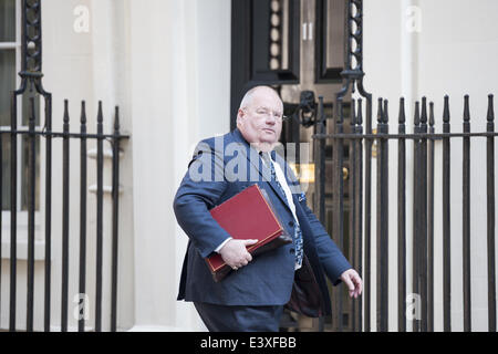 London, UK. 1st July, 2014. Ministers arrive at Downing Street in London for the weekly Cabinet Meeting. Pictured: - Stock Photo