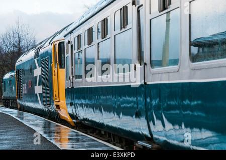 Class 50 loco 50015 Valiant waits to leave a rainy Rawtenstall station on the East Lancs Railway - Stock Photo