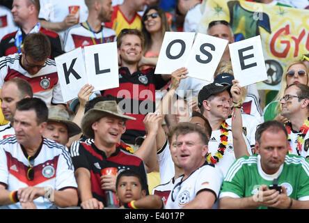 Deutschland Fans/ Fans voten fuer KLOSE.  Deutschland - Ghana, Vorrunde/Gruppenphase, Gruppe G, Spiel 29- FIFA  - Stock Photo