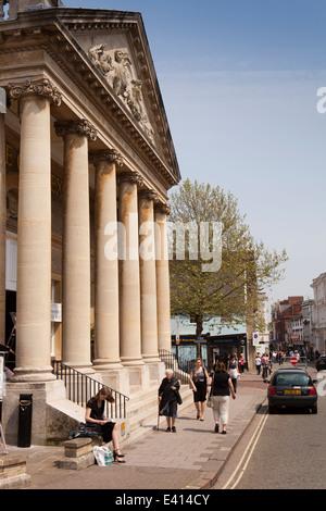 UK England, Suffolk, Bury St Edmunds, Cornhill, Corn Exchange, now Wetherspoon's pub - Stock Photo
