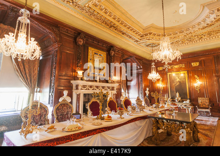 England, Warwickshire, Warwick, Warwick Castle, Interior Display - Stock Photo