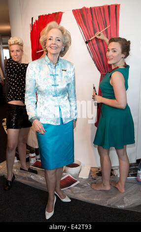 Berlin, Germany. 02nd July, 2014. Entrepreneur Isa Countess of Hardenberg (C) poses at 25-year anniversary of 'Hardenberg - Stock Photo
