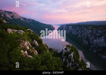 River Danube flowing through the Iron Gate Gorge, on the border between Romania and Serbia, Djerdap National Park, - Stock Photo