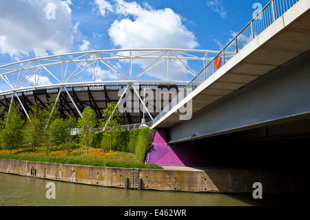 A view of the London Olympic Stadium and the City Mill River. - Stock Photo