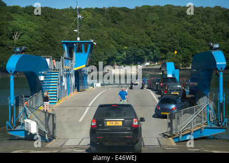 Cornwall. Roseland Peninsular. King Harry ferry ,  chain ferry ,known as a floating bridge, on the River Fal near - Stock Photo