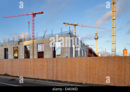 Berlin, Germany, hoarding and body shop on site Berlin Palace in Berlin-Mitte - Stock Photo