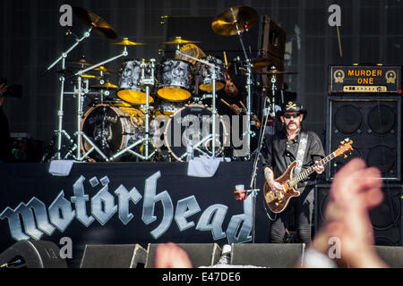 London, UK. 04th July, 2014. Motorhead play the main stage at the Barclaycard British Summer Time festival in London's - Stock Photo