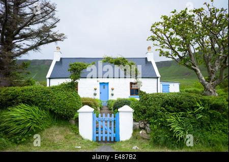 Uk housing stock exterior blue sky sunny small green for 1161 highland terrace
