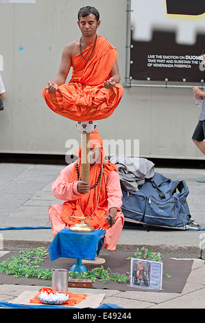 A tricky situation, Medidation, Moenche, Monk, - Stock Photo