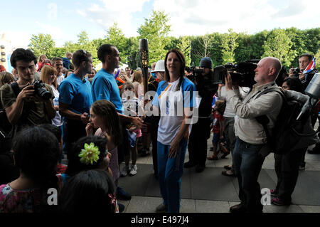 Stirling, UK. 6th July, 2014 .The Queens Baton Relay comes to an end at the Peak Sports Centre in Stirling. The - Stock Photo