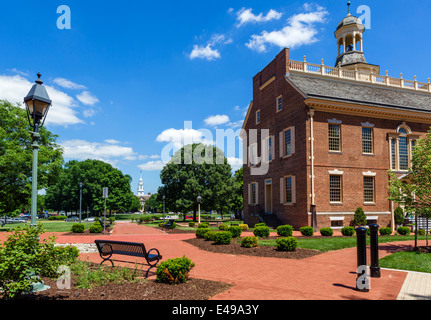 The Old State House on The Green looking towards the Delaware Legislative Hall (State Capitol), Dover, Delaware, - Stock Photo