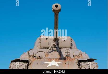 France, Normandie, Manche, Sainte Marie du Mont, Utah Beach US Sherman tank against blue sky - Stock Photo