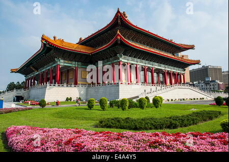 National theatre on the grounds of the Chiang Kai-Shek memorial hall, Taipeh, Taiwan - Stock Photo