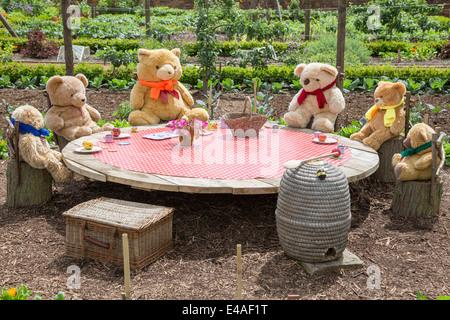... Teddy Bears Picnic In A Garden, England, UK   Stock Photo