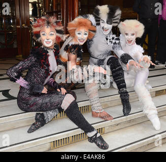 London, UK. 07th July, 2014. Photo call to launch the new production of 'Cats' at The London Palladium, Argyll Street, - Stock Photo
