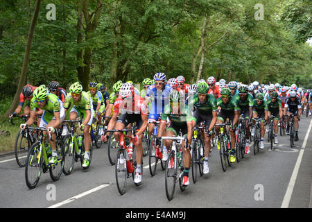 Epping, UK. 07th July, 2014. Tour de France 2014 from Cambridge to London. Participants enter into Epping, Essex - Stock Photo