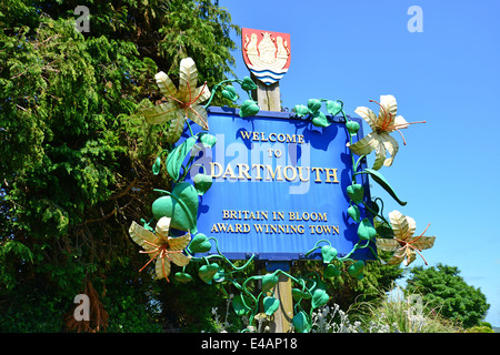 'Welcome to Dartmouth' sign, Townstal Road, Dartmouth, South Hams District, Devon, England, United Kingdom - Stock Photo
